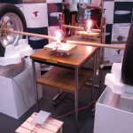 Jaapani teadlased demonstreerisid auto varustamist elektriga läbi rehvide